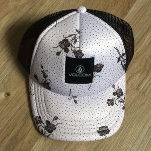 Volcom Rose trucker hat